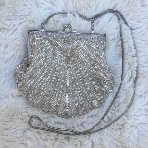 Vintage 1940's silver beaded clutch shoulder bag